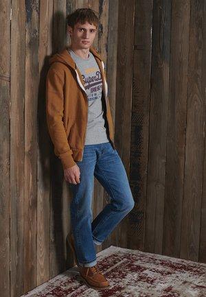 MODERN WORKWEAR - Zip-up hoodie - buckthorn brown