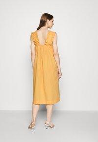 Vero Moda - VMLANIE DRESS - Vestido informal - cornsilk - 2