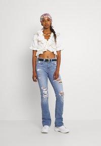 American Eagle - HI RISE SKINNY  KICK - Jeans Skinny Fit - classic vintage destroy - 1
