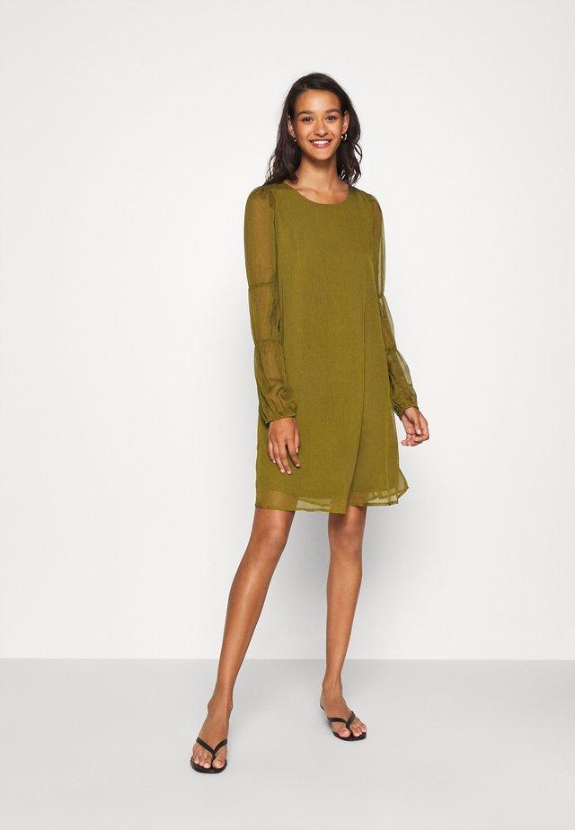 VMBABETTE SHORT DRESS - Day dress - fir green