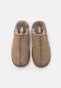 Shepherd - HUGO - Domácí obuv - stone - 3