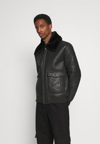 PILOT - Leather jacket - black