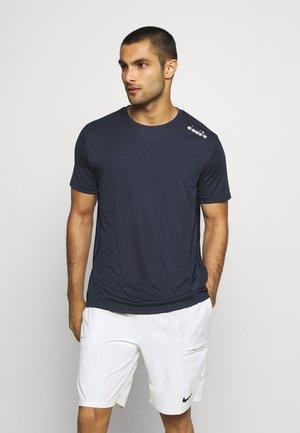 CORE TEE - T-shirts - blue corsair
