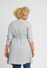 New Look Curves - SELF BELT CARDI - Kardigan - light grey - 2