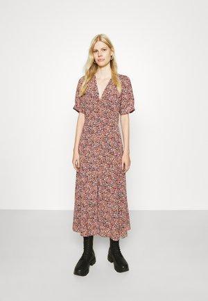 DRESS - Dnevna haljina - pink