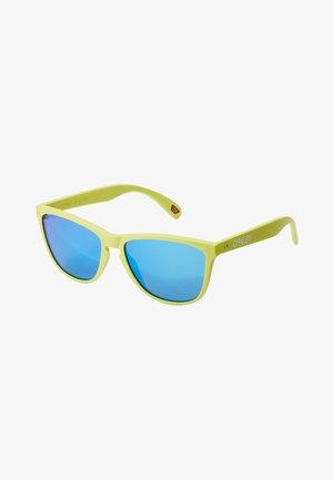 FROGSKINS - Okulary przeciwsłoneczne - matt neon yelolw/prizm sapphier