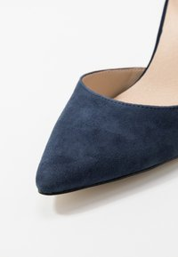 Anna Field - LEATHER PUMPS - Korolliset avokkaat - dark blue - 2