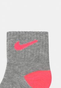 Nike Sportswear - LOGO TODDLER 6 PACK - Sokken - rush pink - 2