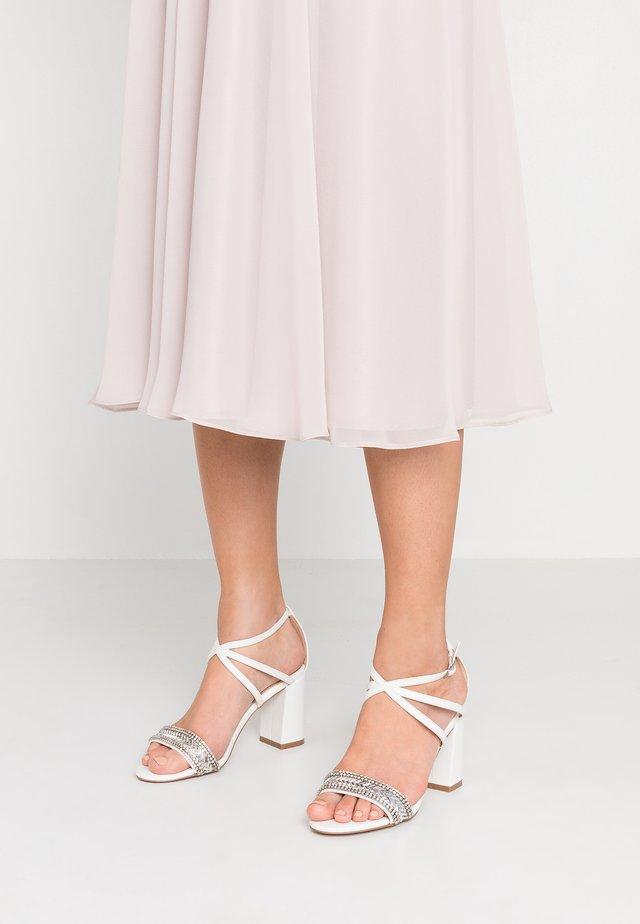 GITA - Højhælede sandaletter / Højhælede sandaler - white