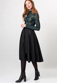 zero - A-line skirt - black - 1