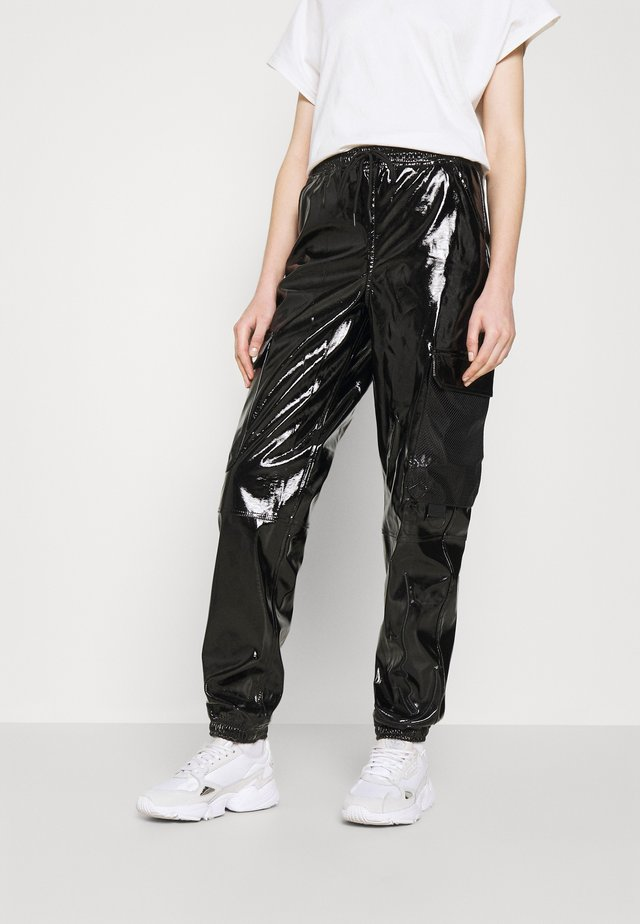 SIGNATURE GLOSSY PANTS - Trousers - black