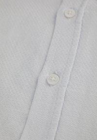 DeFacto - Vapaa-ajan kauluspaita - white - 3