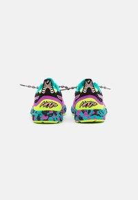 ASICS - GEL-NOOSA TRI 12 - Zapatillas de competición - black - 2