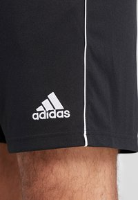 adidas Performance - CORE ELEVEN PRIMEGREEN FOOTBALL 1/4 SHORTS - Pantalón corto de deporte - black/white - 5