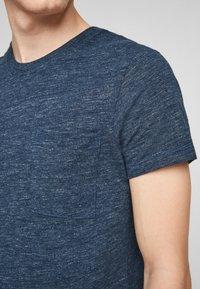 QS by s.Oliver - Basic T-shirt - blue melange - 3