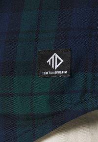 TOM TAILOR DENIM - Camicia - blue/green - 4