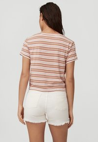 O'Neill - KNOTTED  - Print T-shirt - brown or beige with pink - 1