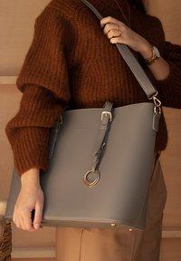 Violet Hamden - Handbag - grau - 0