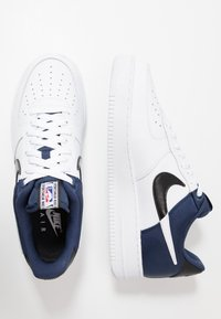 Nike Sportswear - AIR FORCE 1 '07 LV8 - Trainers - midnight navy/white/black - 2