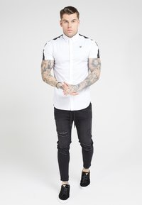 SIKSILK - PIPED TAPE - Košile - white - 1