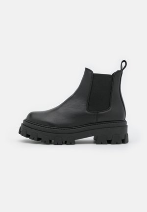 ASSURE CHUNKY CHELSEA BOOT - Platform ankle boots - black