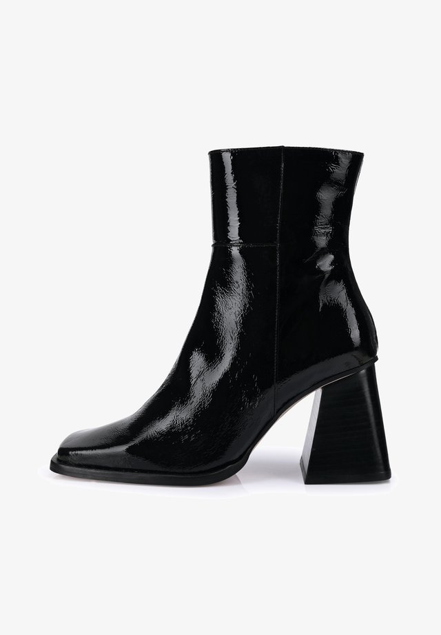 SOUTH - Classic ankle boots - black