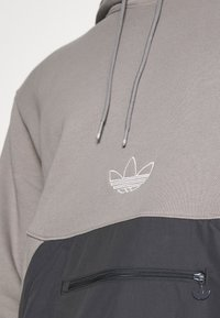 adidas Originals - ARCH HOOD - Sweatshirts - dove grey/solid grey - 5