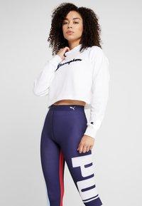 Champion - HIGH NECK - Sweatshirt - white - 0