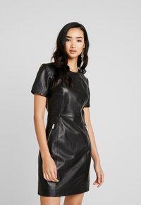 ONLY - ONLLENA LEATHER DRESS OTW - Pouzdrové šaty - black - 0