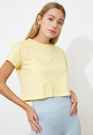 TRENDYOL - Basic T-shirt - yellow