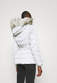 Guess - SARA SHORT JACKET - Down jacket - marble grey - 3