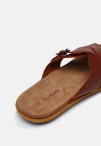 Kickers - PEPLONIUS - Mules - marron - 6