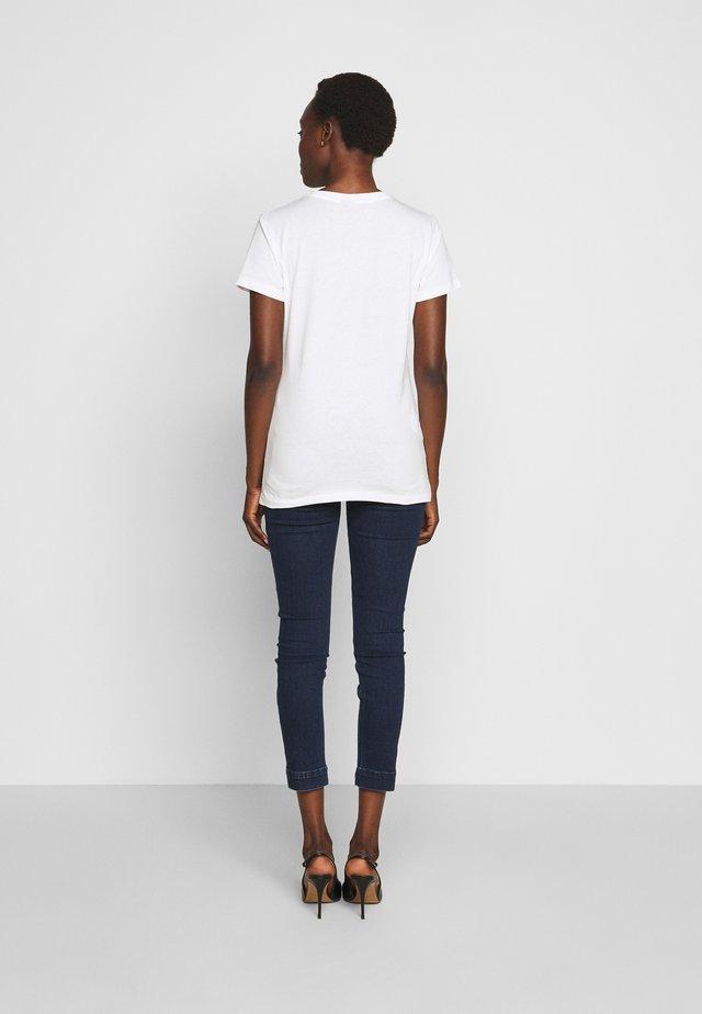 FERDINANDO  - T-shirt con stampa - white
