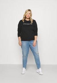 Calvin Klein Jeans Plus - HIGH RISE SKINNY ANKLE - Skinny džíny - denim light - 1