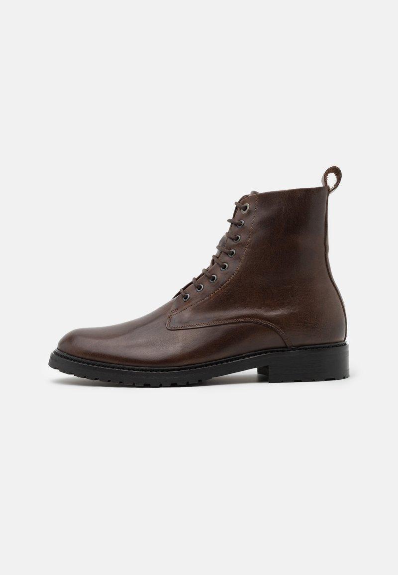 Royal RepubliQ - ALIAS CITY HIKER LACE UP BOOT - Lace-up ankle boots - brown