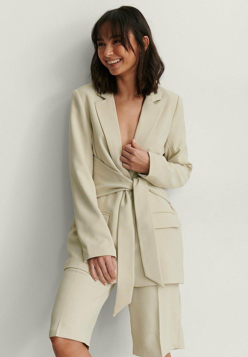 NA-KD - Short coat - beige