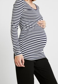 Anna Field MAMA - Long sleeved top - off-white/dark blue - 5