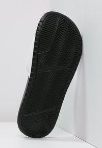 Nike Sportswear - BENASSI JDI - Pool slides - white/black - 4