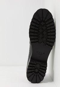 Walk London - SEAN LONGWING BROGUE - Lace-ups - black - 4