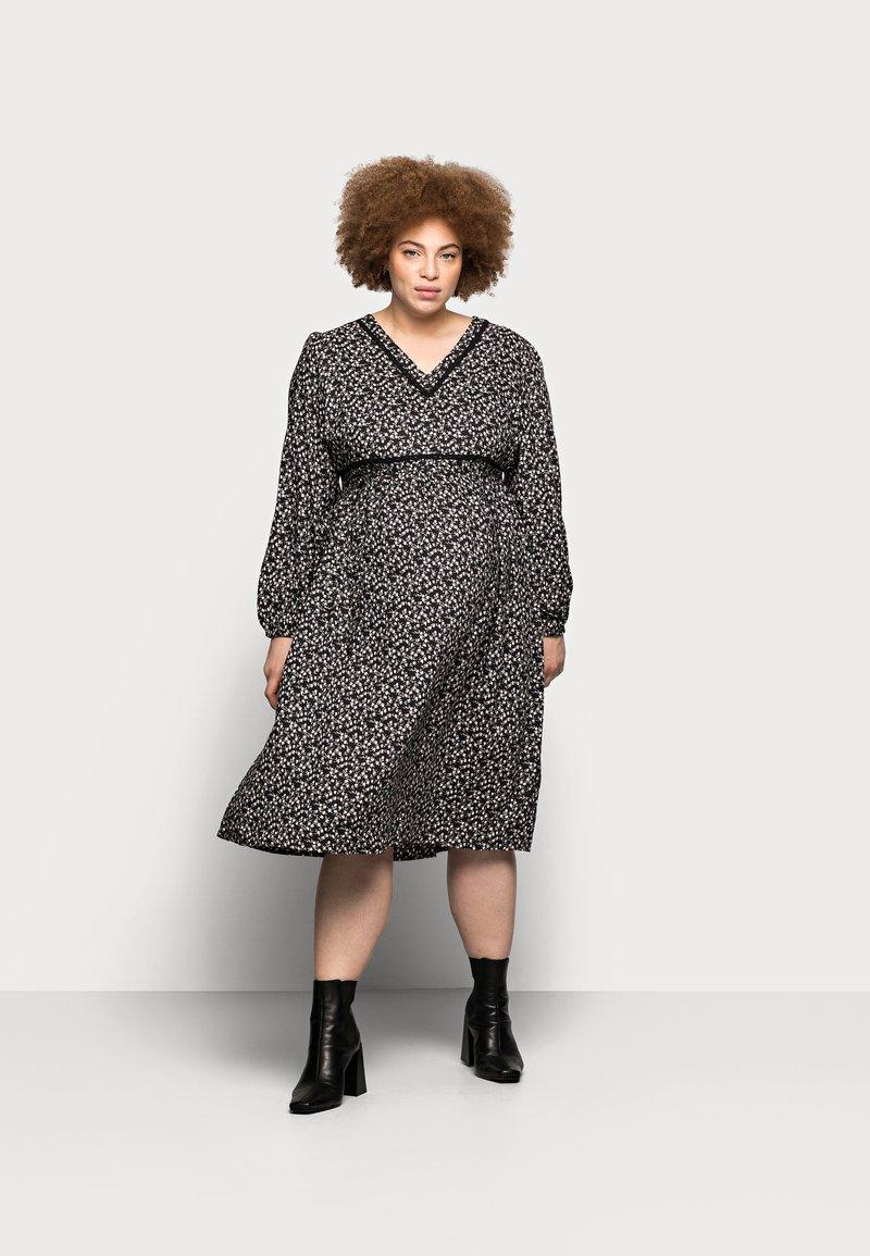 Mamalicious Curve - MLZELINA DRESS - Robe d'été - black
