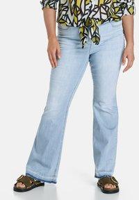 Samoon - Bootcut jeans - light blue denim - 0
