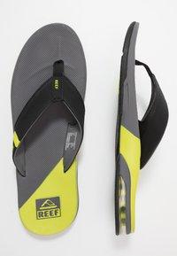 Reef - FANNING LOW - Sandály s odděleným palcem - grey/lime - 1