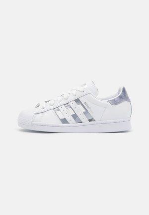 SUPERSTAR  - Tenisky - footwear white/grey three