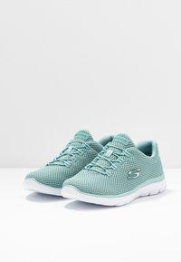 Skechers Sport - SUMMITS - Sneakers laag - sage/white - 4