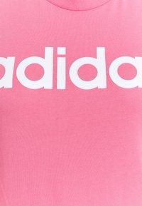 adidas Performance - Triko spotiskem - rose tone/white - 5
