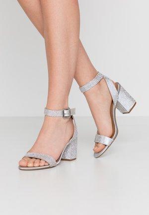 MALIA - Sandály - silver