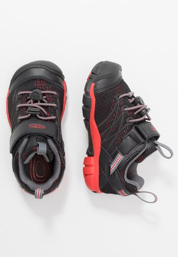 CHANDLER CNX - Hiking shoes - raven/fiery red