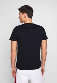 Tommy Hilfiger - CORP TEE - Print T-shirt - blue - 2