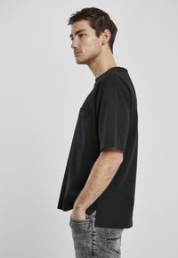 Urban Classics - HEAVY BOXY POCKET TEE - T-shirt - bas - black - 3