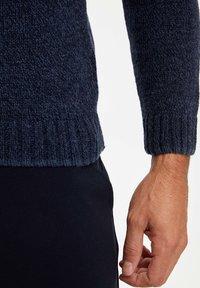 DeFacto - Stickad tröja - navy - 2